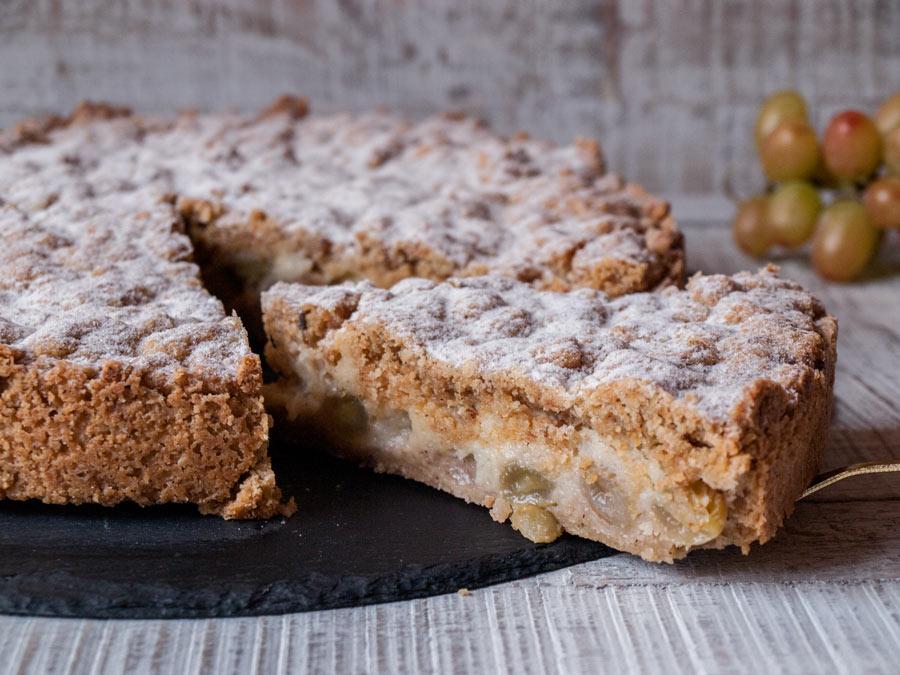 Traubenkuchen Mit Marzipanfullung Streuseln Freiknuspern
