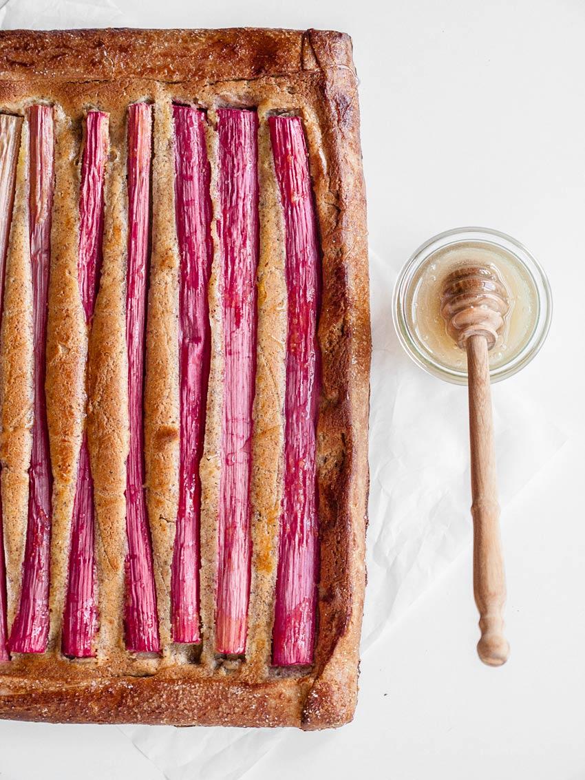 Glutenfreier und fructosearmer Rhabarbarkuchen