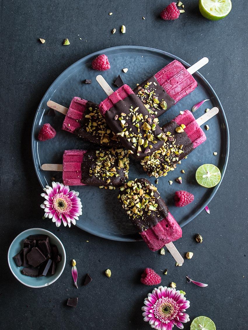 Veganes Himbeer-Limetten-Popsicle