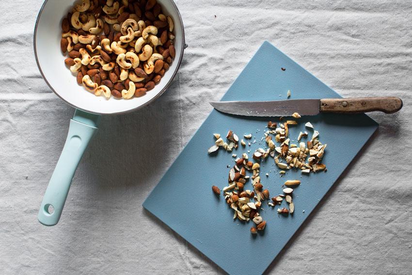 glutenfreier und veganer Kirschcrumble