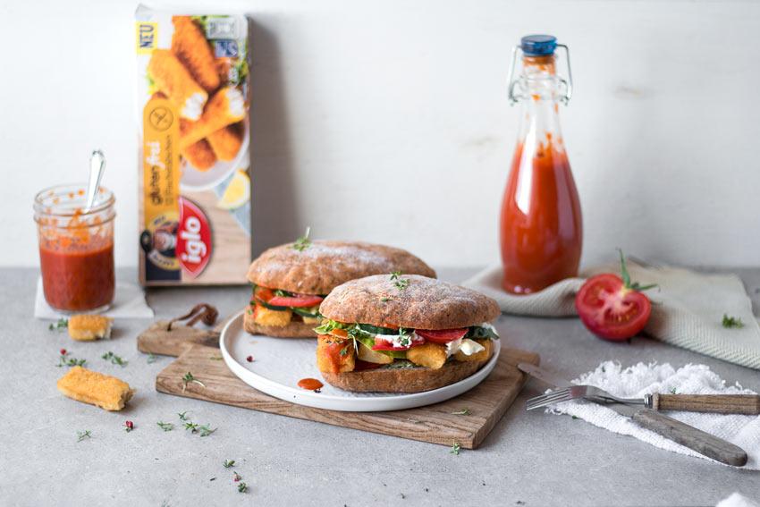 glutenfreier Fisch-Burger mit gesundem Ketchup