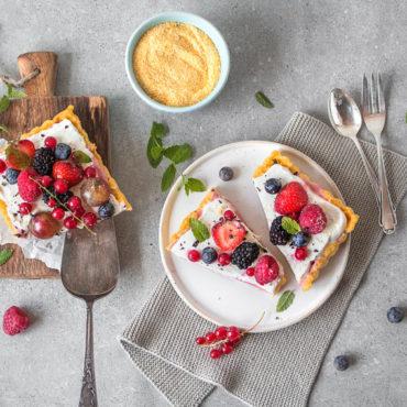Glutenfreie Polenta-Tarte mit Beeren