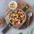 Lauwarmer Gnocchi-Salat mit rotem Pesto (glutenfrei & vegan) *mit Videoanleitung