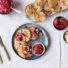 Mini-Pfannkuchen mit Erdbeer-Rhabarber Kompott (glutenfrei & vegan) *mit Videoanleitung